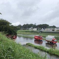 【水難事故】埼玉県志木市 新河岸川いろは橋で水難事故発生!「レスキューは浮き輪がついたタンカみたいの持っていろは橋走ってた。」