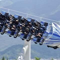 【事故】富士急ハイランド「ド・ドドンパ」立ち入り調査!乗客4人が首の骨を折るなど重傷!「えっ。、なんか特定の座席に座ると首折れる系??」